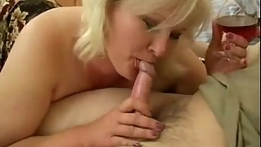 Mature cougar suck cock