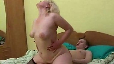 Horny mature slut get facial from young man