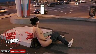 Naked Russian girl in the center of Moscow / Putin'_s Russia