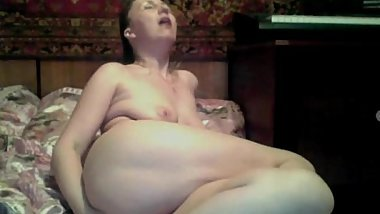 Russian mature masturbates on webcam